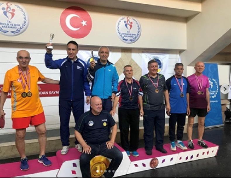 Fenerbahçe Veteranlar Masa Tenisi Derneği Turnuvasında Başarılar